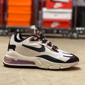 Nike Air Max 270 React Runners NEW Size 10